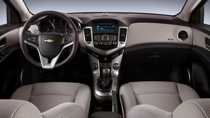 So sánh xe Chevrolet Cruze và Hyundai Elantra về nội thất: Xe Hàn thắng thế 2