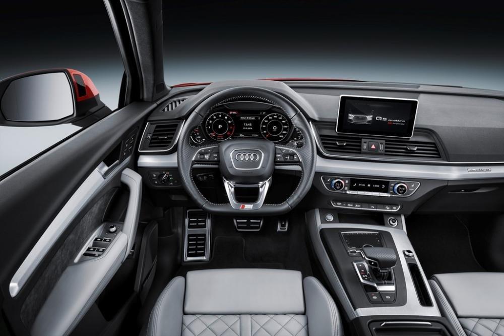 Đánh giá xe Audi Q5 2017: Màn hình tiêu chuẩn 7 inch 1