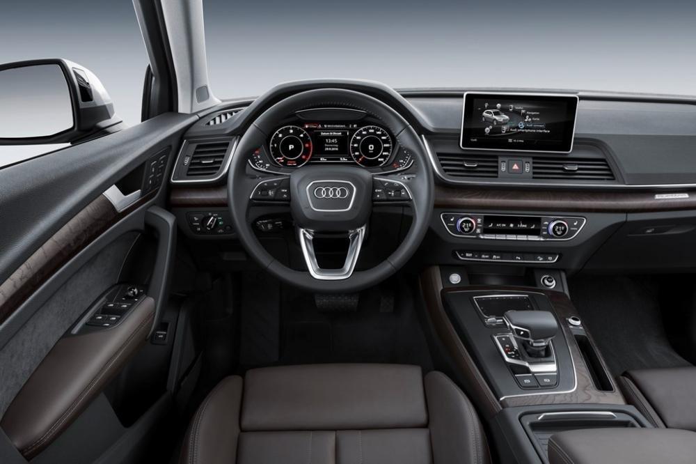Đánh giá xe Audi Q5 2017: Khoang cabin được làm thủ công với chất liệu cao cấp 1
