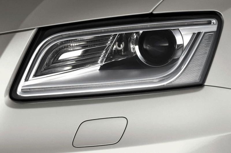 Đánh giá xe Audi Q5 2017: Thiết kế đèn pha 1