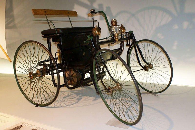 Ngắm 10 mẫu xe lâu đời nhất trong lịch sử ngành công nghiệp ô tô 7