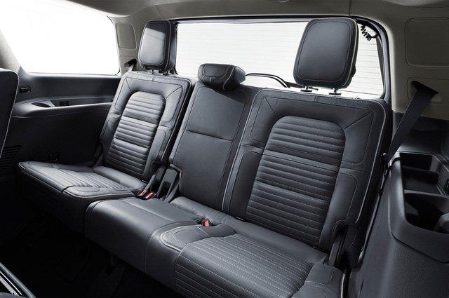Đánh giá xe Lincoln Navigator 2018: Hàng ghế 3.