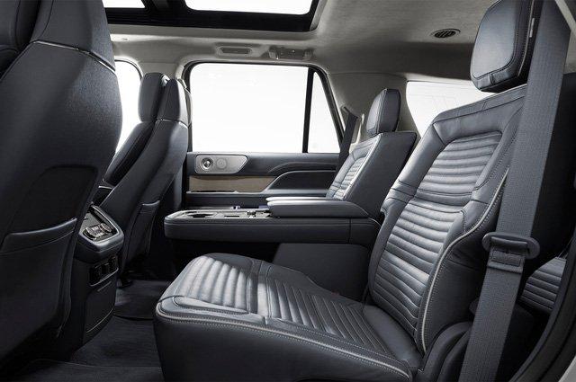Đánh giá xe Lincoln Navigator 2018: Hàng ghế 2.