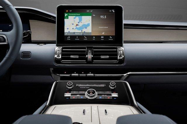 Đánh giá xe Lincoln Navigator 2018 về trang bị tiện nghi 2a