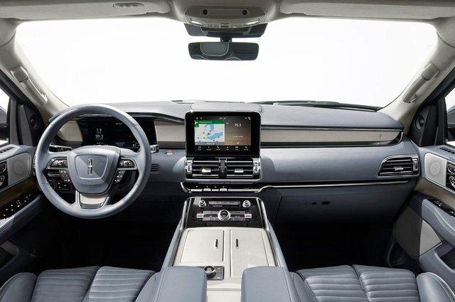 Đánh giá xe Lincoln Navigator 2018 về trang bị tiện nghi 1a