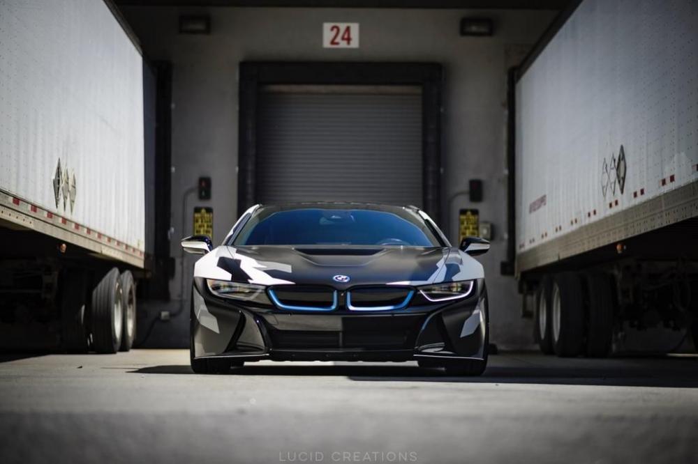 Chiêm ngưỡng BMW i8 cuốn hút với lớp dán ngoại thất rằn ri nổi bật 5