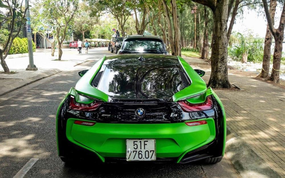 BMW i8 xanh cốm 3.