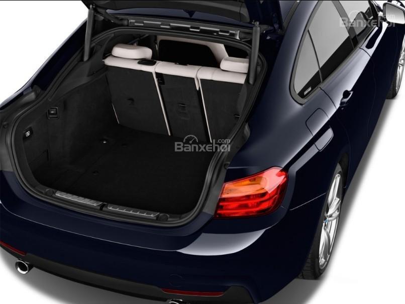 Đánh giá xe BMW 4-Series 2017: Khoang hành lý của xe ở mức khá.