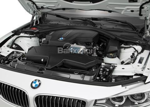 Đánh giá xe BMW 4-Series 2017: Xe chỉ được trang bị động cơ xăng.