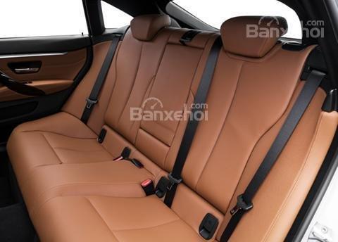 Đánh giá xe BMW 4-Series 2017: Hàng ghế phía sau xe.