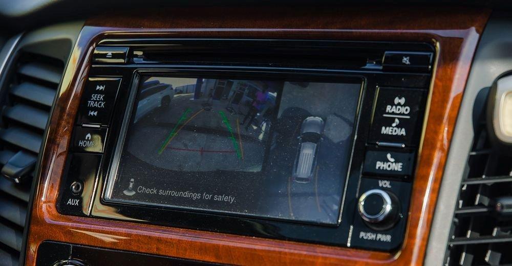 Đánh giá xe Mitsubishi Pajero Sport 2017: Hệ thống thông tin giải trí với màn hình cảm ứng''''''''''''''''