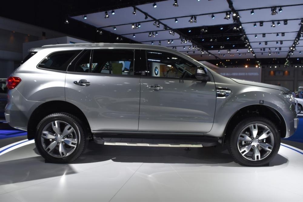 Ford Everest 2017 gia nhập thị trường Thái Lan với giá 914 triệu a2