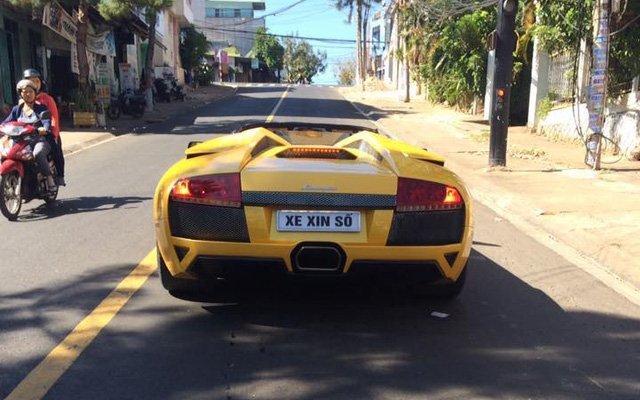 siêu xe Lamborghini Murcielago LP640 mui trần độc nhất Việt Nam xuất hiện tại Gia Lai