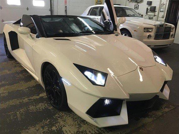 """Bất ngờ trước """"hàng nhái"""" Lamborghini Aventador giá chỉ 55.000 USD."""