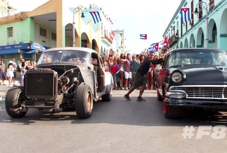 """Dàn xe khủng trong """"bom tấn"""" Fast & Furious 8 - ảnh 2"""