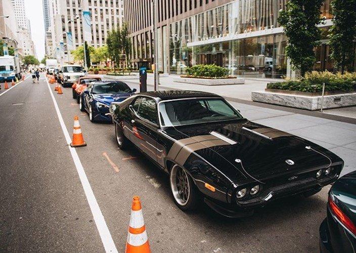 """Dàn xe khủng trong """"bom tấn"""" Fast & Furious 8 - ảnh 19"""