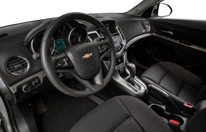 So sánh xe Chevrolet Cruze và Hyundai Elantra về thiết kế  3