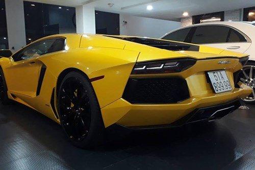 Lamborghini Aventador 1.