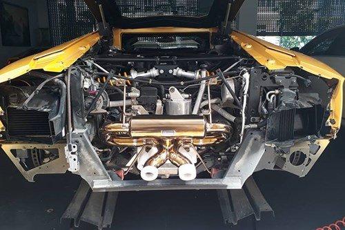 Lamborghini Aventador 6.