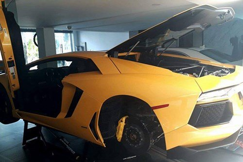 Lamborghini Aventador 8.