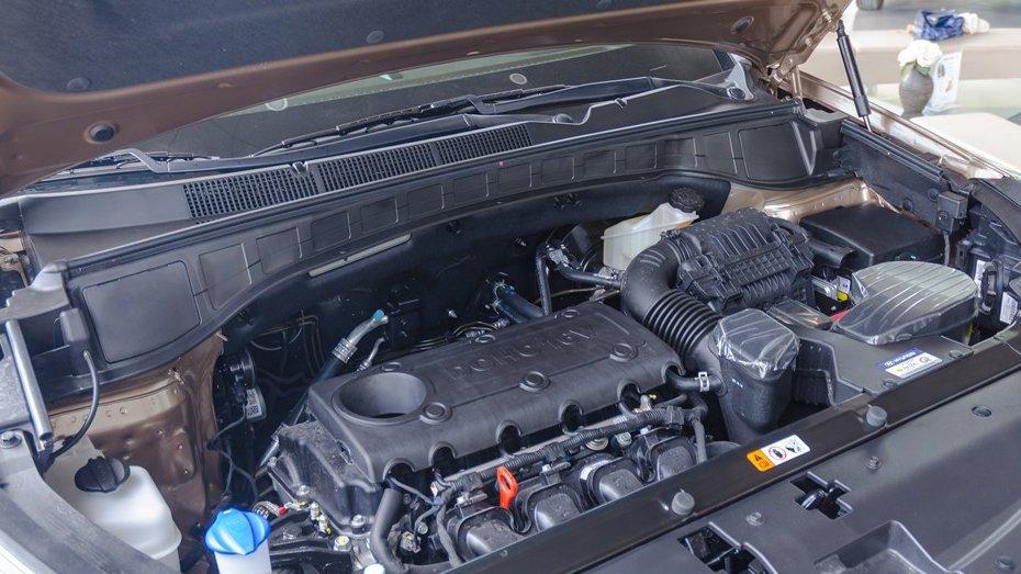 Cùng sử dụng động cơ 2,2l nhưng Hyundai SantaFe 2016 lại mạnh mẽ hơn hẳn Ford Everest 2016 2