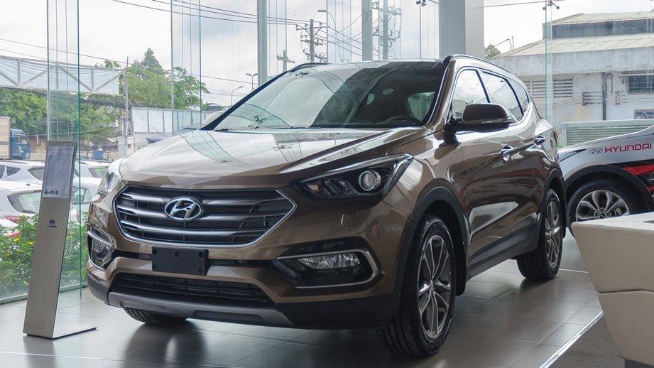 So sánh xe Hyundai SantaFe 2016 và Ford Everest 2016 - Trẻ trung hay lịch lãm? 2