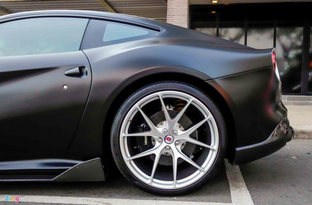 Vành sau Ferrari F12