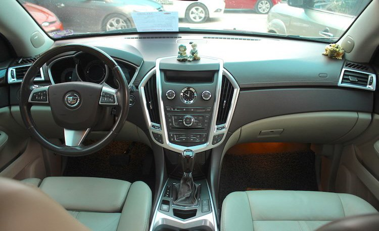 Cadillac SRX 2