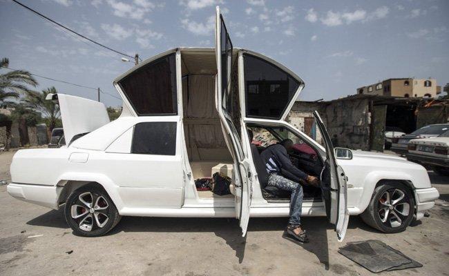 Thân xe chiếc limousine độ.