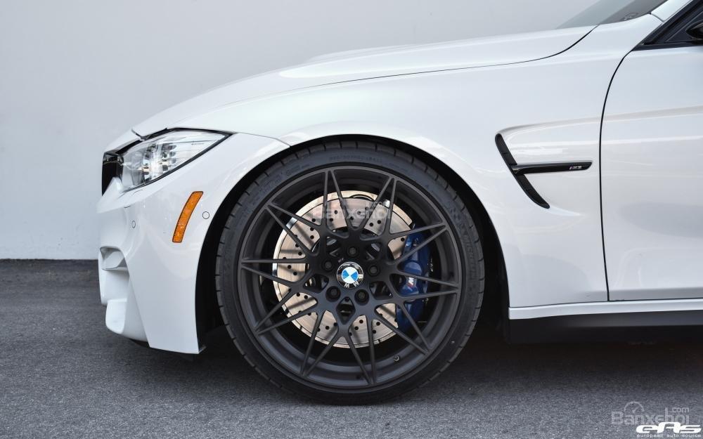 Chiêm ngưỡng BMW M3 ZCP màu trắng khoáng tuyệt đẹp a5