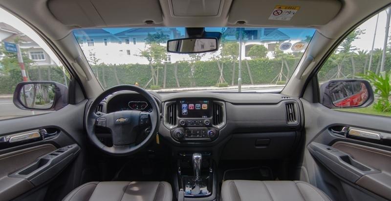 Đánh giá xe Chevrolet Colorado 2017: Bảng tablo với thiết kế hiện đại, bắt mắt hơn.