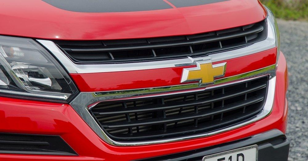 Đánh giá xe Chevrolet Colorado 2017: Lưới tản nhiệt hình thang ngược ấn tượng.