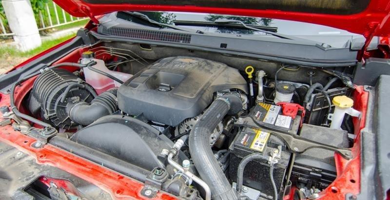 Chevrolet Colorado 2017 có 2 tùy chọn động cơ tăng áp diesel Duramax FGT 2.5L hoặc VGT 2.8L .