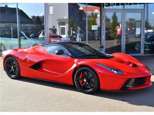 Chiếc Ferrari LaFerrari đang được rao bán