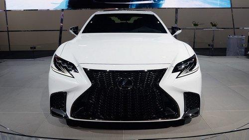 """Ngắm Lexus LS500 2018 trong bộ cánh F Sport cực """"ngầu"""" 5"""