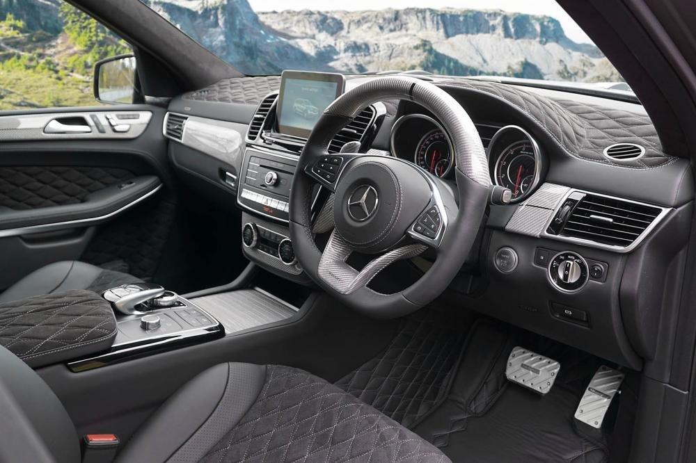 Vô lăng Mercedes-AMG GLS 63 độ Mansory.