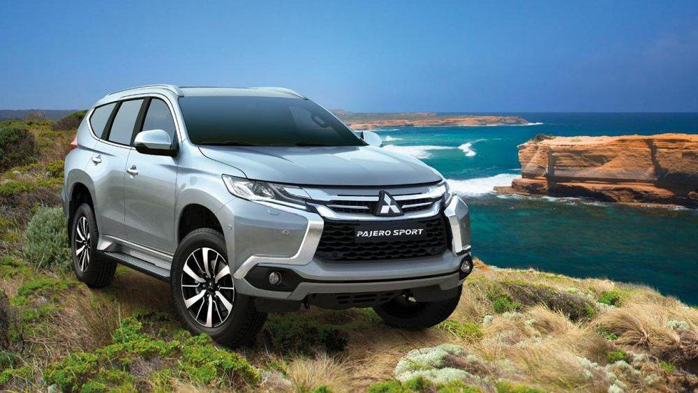 So sánh xe Toyota Fortuner 2017 và Mitsubishi Pajero Sport 2017 - Xe hợp túi tiền hay xe chất lượng?.