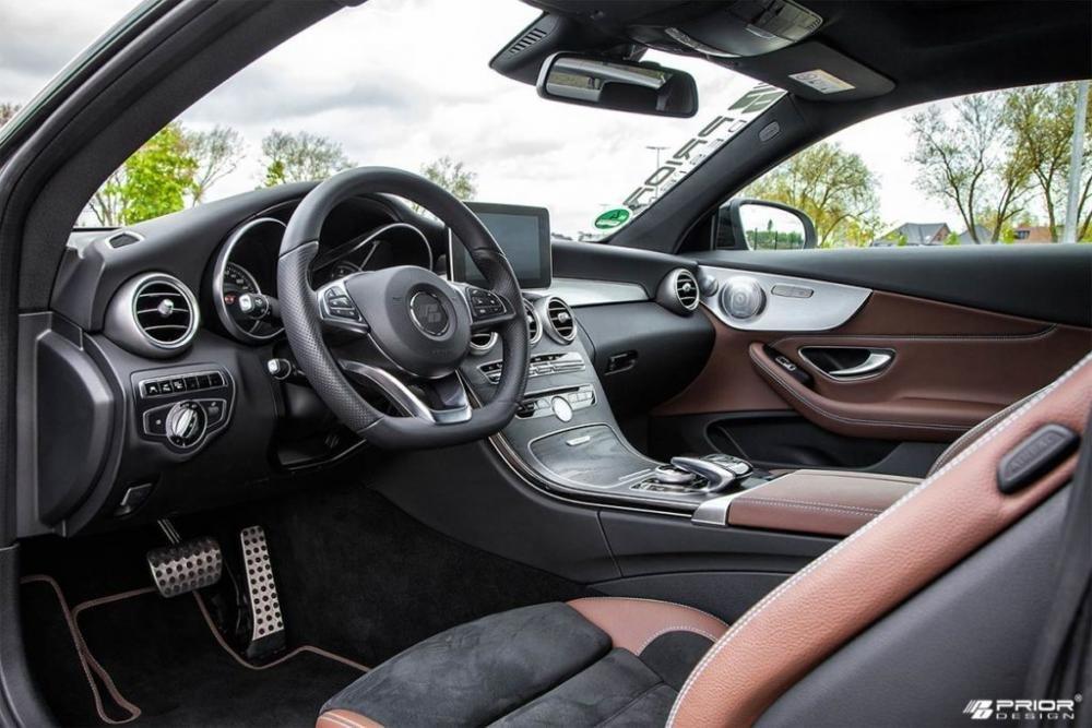 Vô lăng Mercedes-AMG C63.