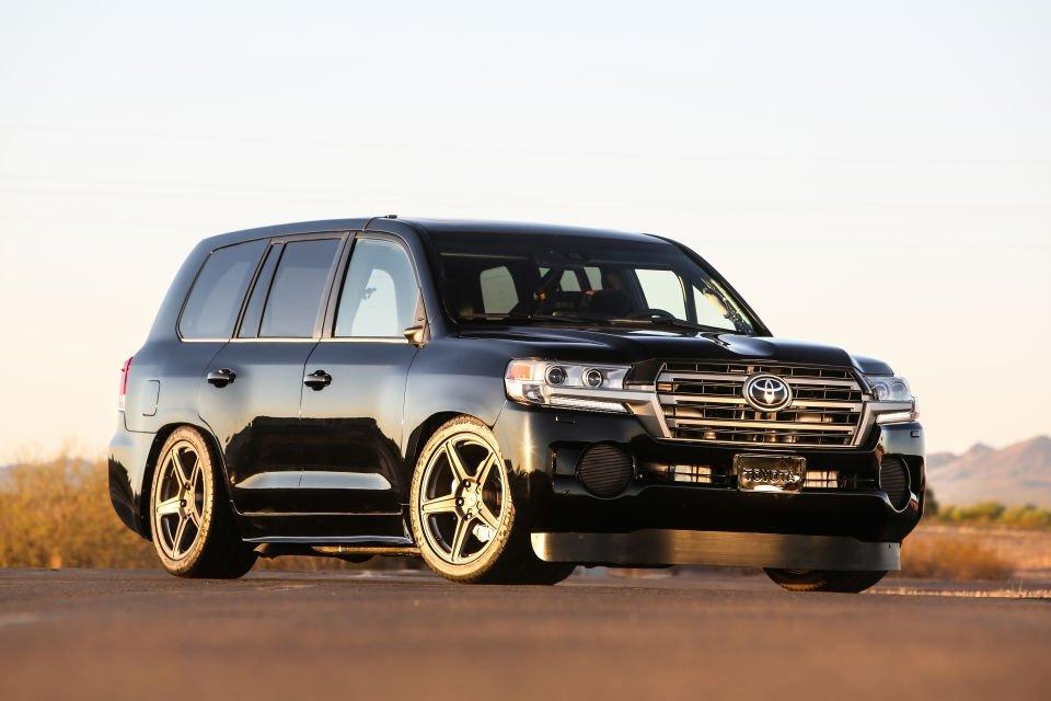 Chiêm ngưỡng Toyota Land Cruiser 2.000 mã lực lập kỉ lục SUV nhanh nhất thế giới.
