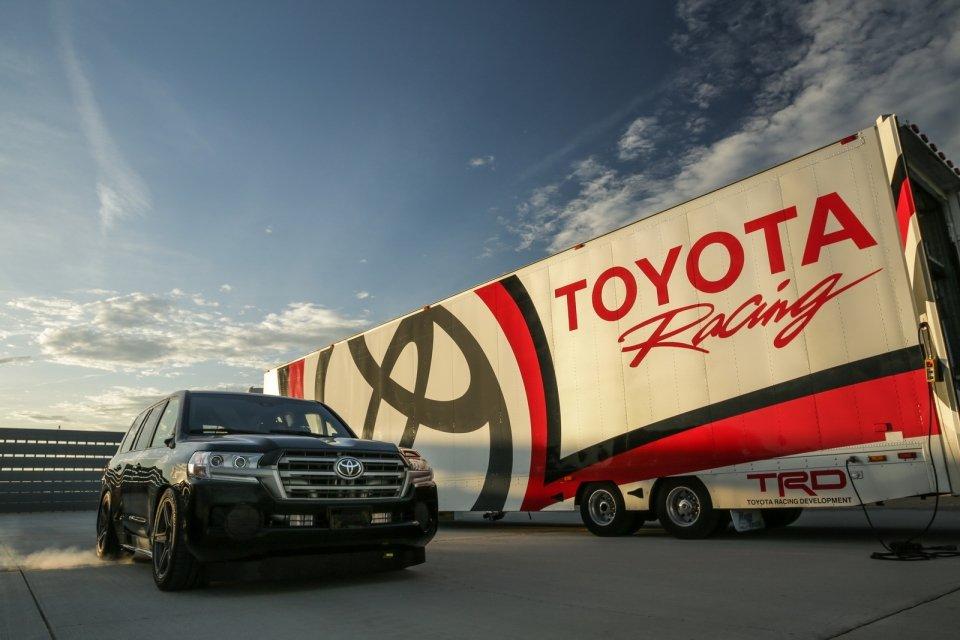 Chiêm ngưỡng Toyota Land Cruiser 2.000 mã lực lập kỉ lục SUV nhanh nhất thế giới 2