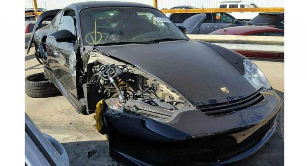 Kì lạ chuyện Porsche 911 GT2 nát đầu vẫn hét giá tới 1,8 tỷ đồng 4