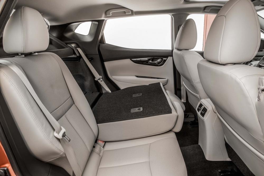 Đánh giá xe Nissan Qashqai ghế sau Nissan Qashqai 2017.