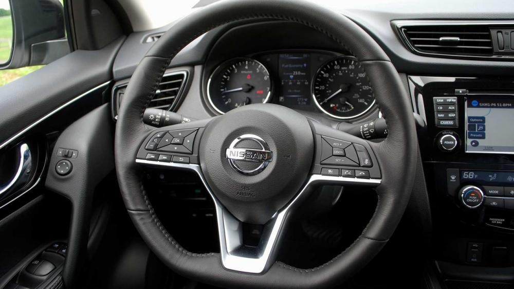 Đánh giá xe Nissan Qashqai vô lăng Nissan Qashqai 2017.
