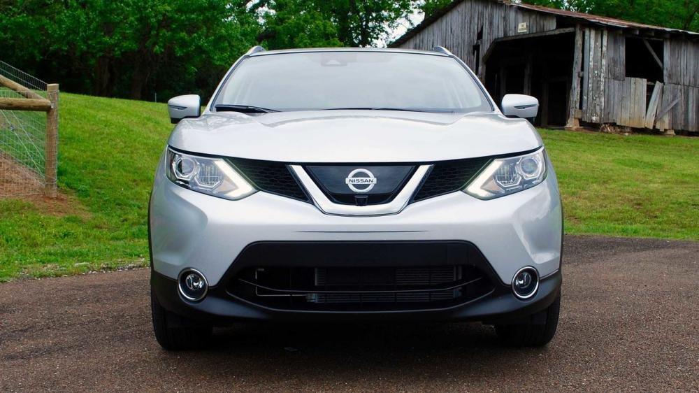 Đánh giá xe Nissan Qashqai 2017 về đầu xe.