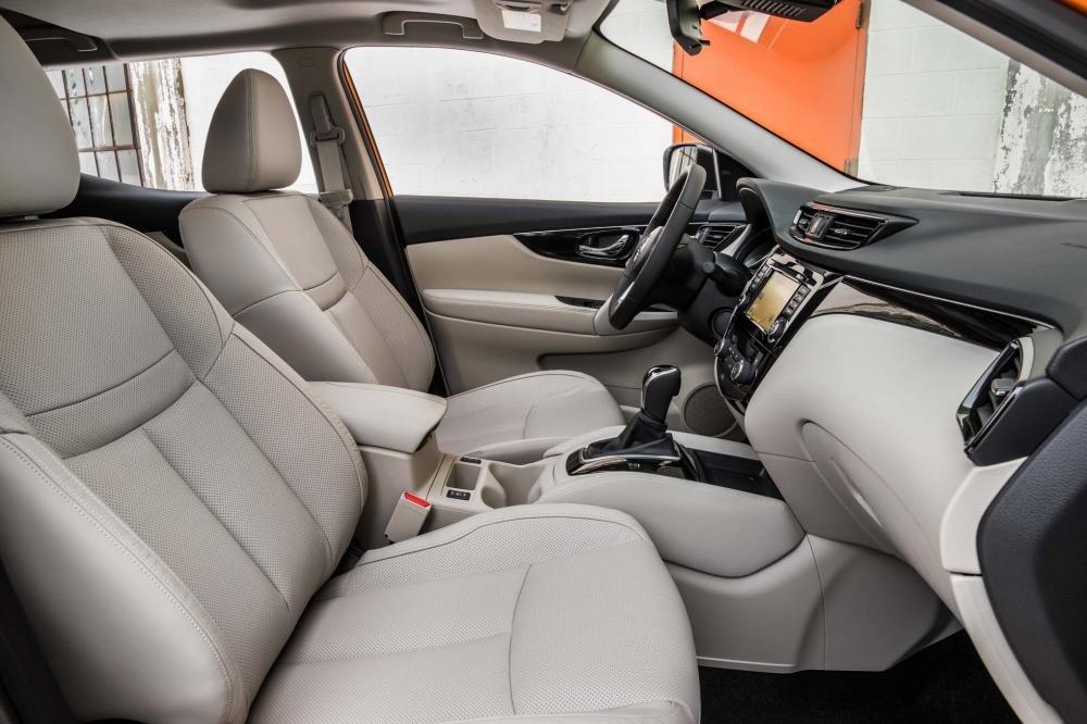 Đánh giá xe Nissan Qashqai ghế trước Nissan Qashqai 2017