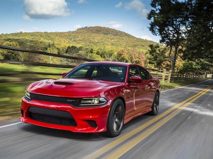 Bình chọn top xe 4 cửa trang bị động cơ V8 tốt nhất 6
