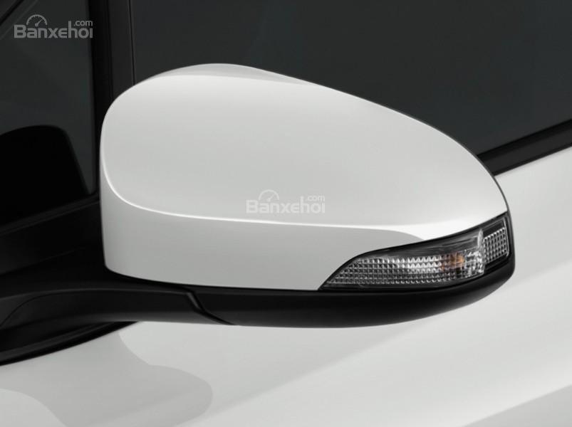 Đánh giá xe Toyota C-HR 2017: Gương chiếu hậu tích hợp đèn xi nhan.
