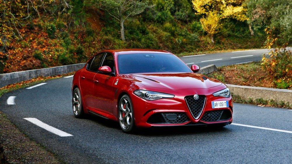 """Top 10 xe ô tô mạnh hơn 500 mã lực giá """"mềm"""" nhất hiện nay 4"""