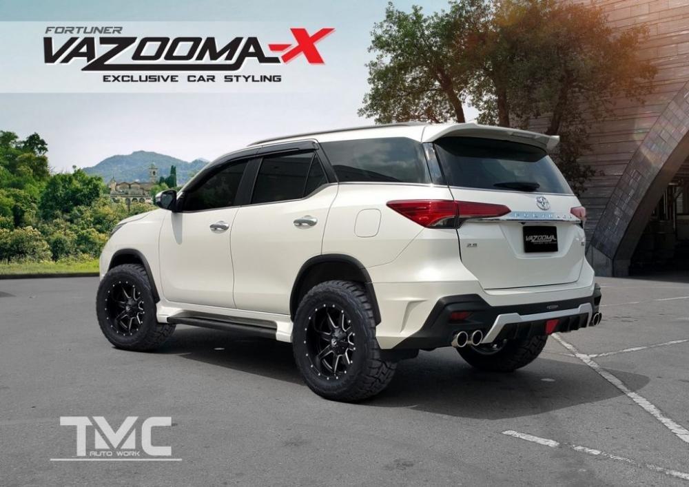 Bộ bodykit Vazooma-X trông hầm hố nhưng mức độ liền lạc với thân xe chưa khéo
