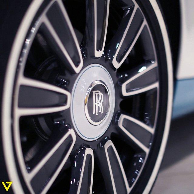 Rolls-Royce Phantom Drophead Coupe 9.
